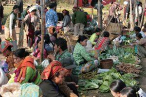 Morgenmarkt in einem Dorf am Inle See