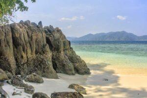unzählige Buchten und Inseln ohne eine einzige Menschenseele