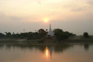 Sonnenuntergang am Irriyawaddi Fluß