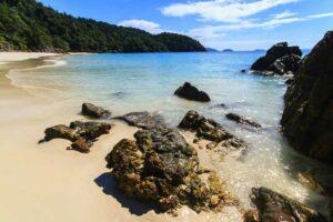 Tropischer Strand Landschaft , Andamanensee, Blick auf die Tafook Insel, Mergui Archipel, Myanmar