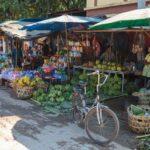 einer der vielen Märkte am Rande von Tachilek