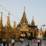 Schwedagon Pagode bei Anbruch der Dämmerung