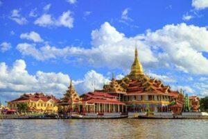 Myanmar Rundreise Inle See, Phaung Daw Oo Pagode